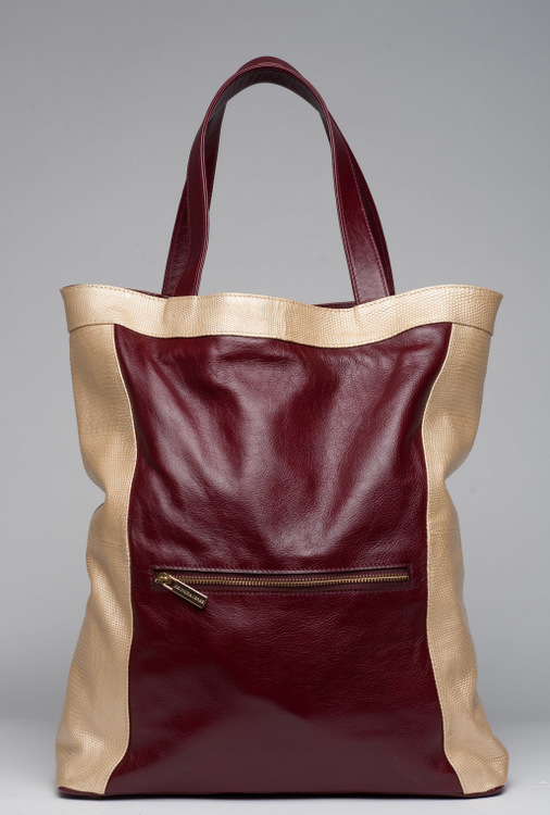 DeOndra Jereé milan-tanadas tote on The CurvyFashionista
