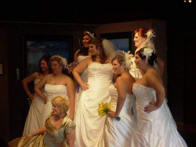 Inside the plus size bridal trunk show-Gorgeous with Curves