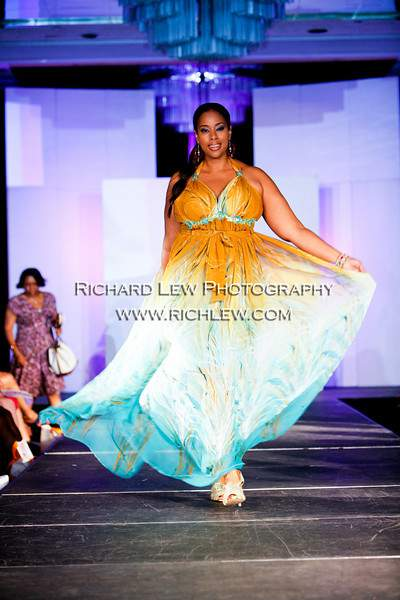 "Full Figured Fashion Weekâ""¢ NYC 2010 Finale: Jewel Shannon"