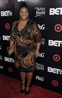 I Love Jill Scott and her Curvy Style!