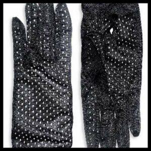 Perf Noir Miss Numa Glove Giveaway