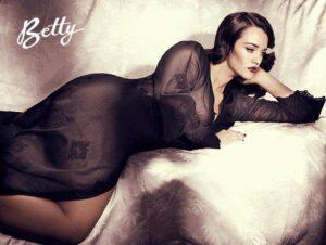 Laura Wells for Betty Diamond
