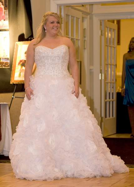 Plus Size Bridal Boutique: CurvyGirl Bridal