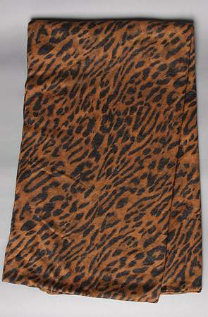 Plus Size Fall 2011 Trends Spotlight Animal Prints: Mink Pink Snood