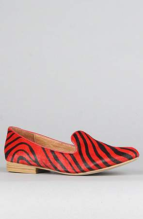 Plus Size Fall 2011 Trends Spotlight Animal Prints: Jeffrey Campbell Elegant Red