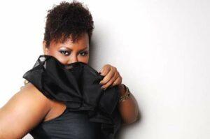 The Curvy Fashionista in Regard Magazine's Blog Shoot