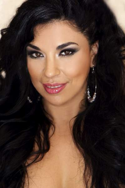 Introducing The 2012 Face of FFFWeek: Venessa DeLaRosa