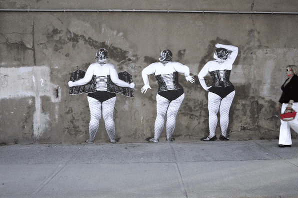 Plus Size Graffiti-Street-Art
