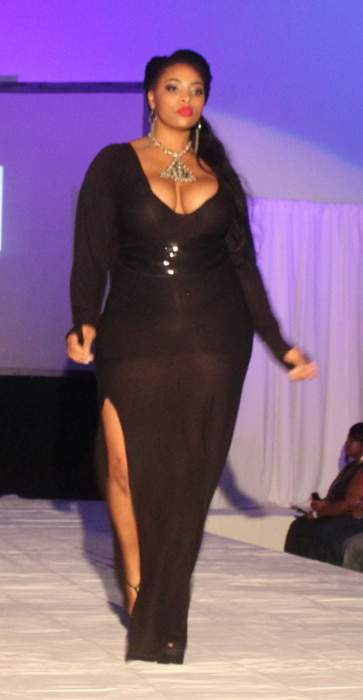 Haute Curves LAFashion Week: Phoenix Reign