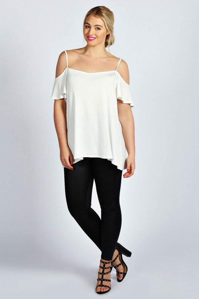 Amy Frill SLeeve Top BooHoo Plus on The Curvy Fashionista
