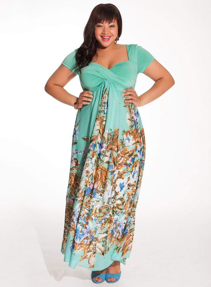 10 plus size floral dresses to get into for spring the for Plus size maxi dresses for summer wedding
