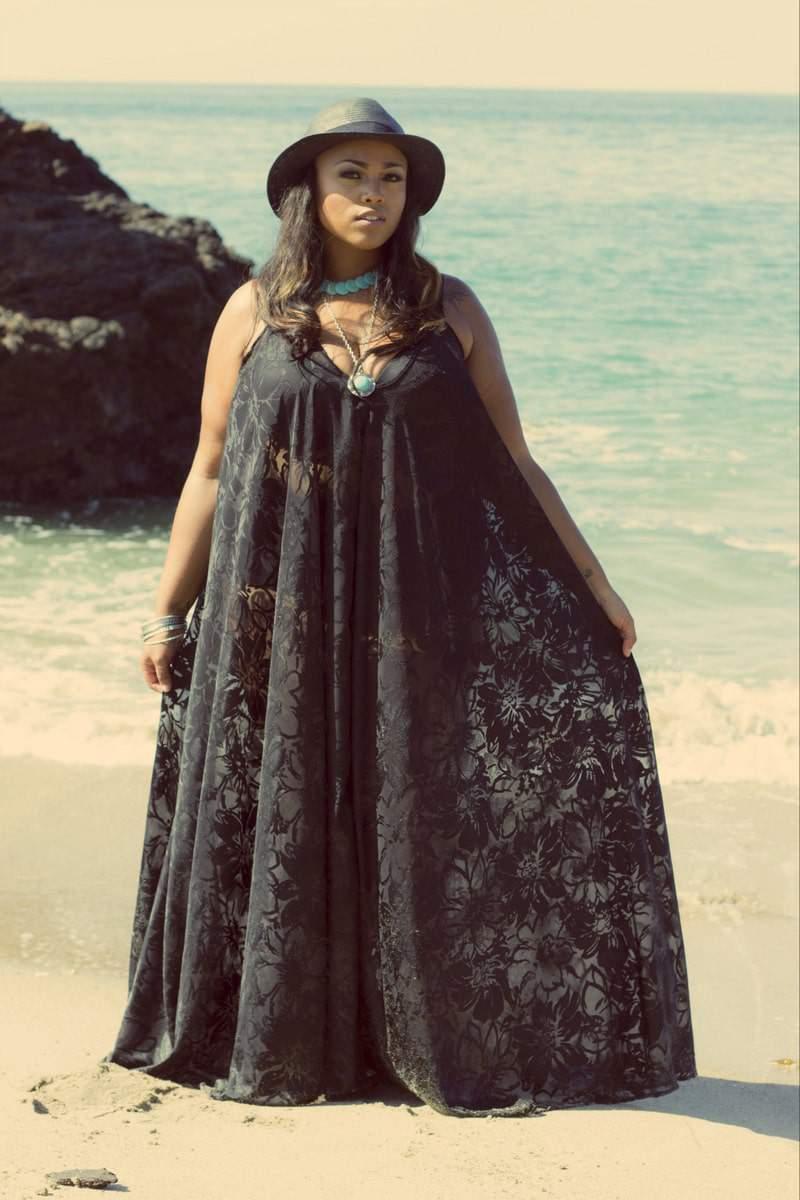 f7d08d534d6 Plus Size Designer ELANN ZELIE Releases Zelie for She Summer Love Collection