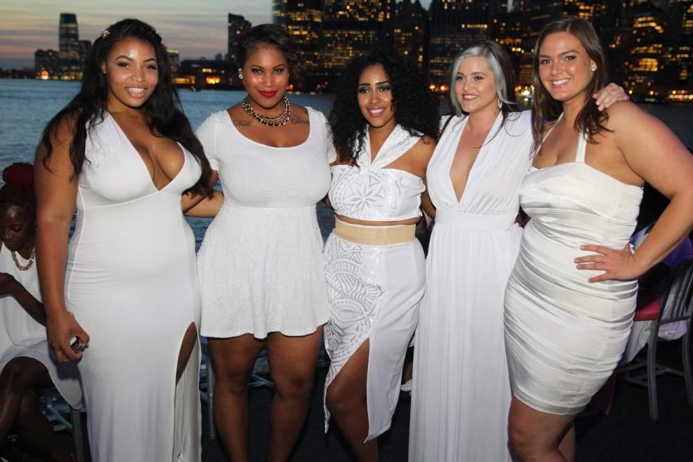 Full FIgured Fashion Week Models Pose for the Camera