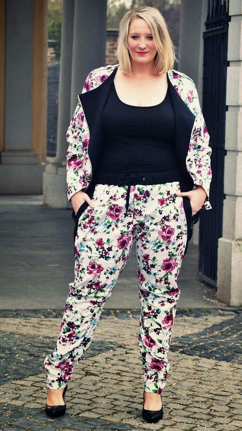 Plus Size Personal Style Blogger Lisa Mosh in CarmaKoma