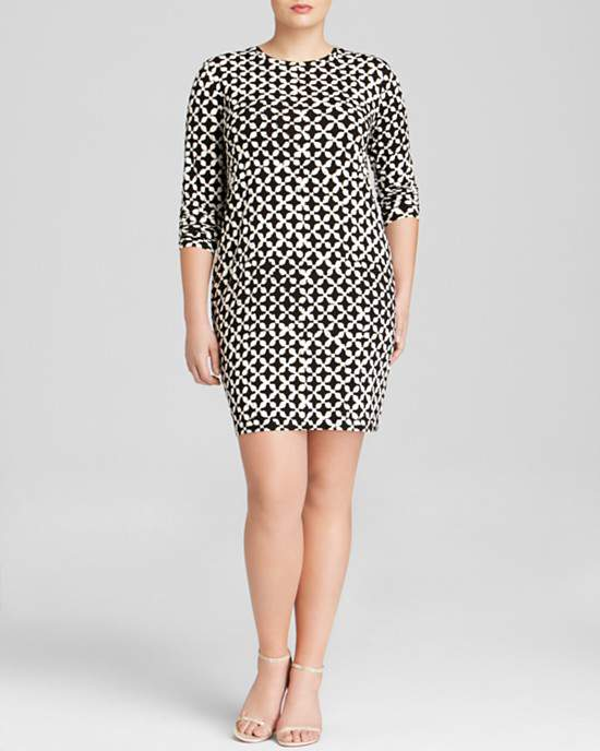 Michael Michael Kors Plus Musenyi Geometric Print Dress via TheCurvyFashionista.com #TCFStyle
