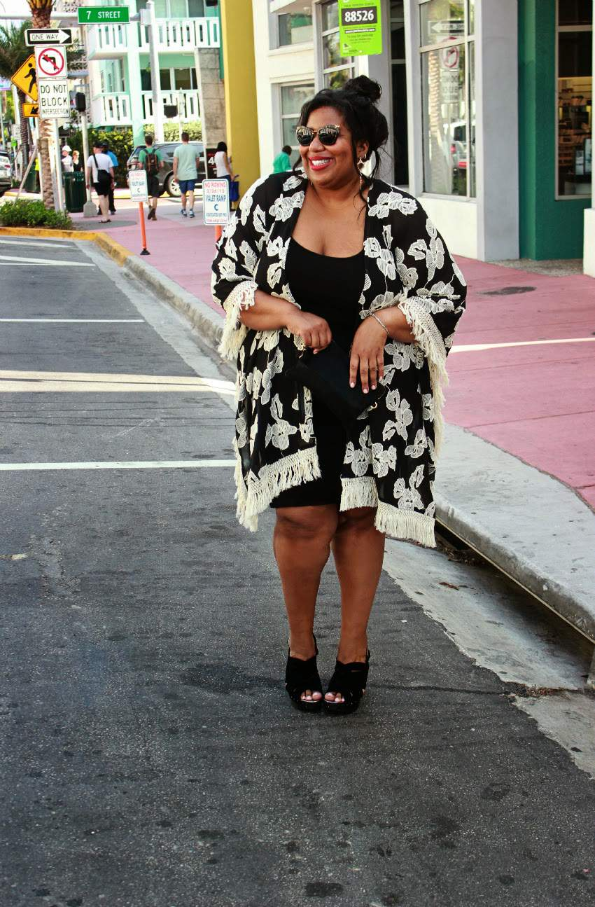 Plus Size Style Blogger, Kellie of And I Get Dressed