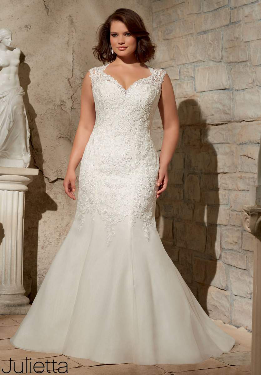 For the plus size bride designer julietta by mori lee for Wedding dress styles for big hips