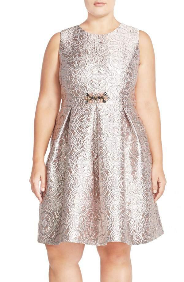 20 New Year\'s Eve Plus Size Dress Ideas