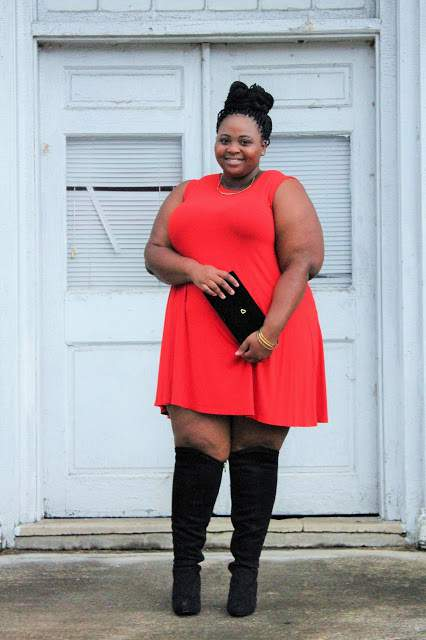15 Non-Hourglass Plus Size Fashion Bloggers- Simply Curvy