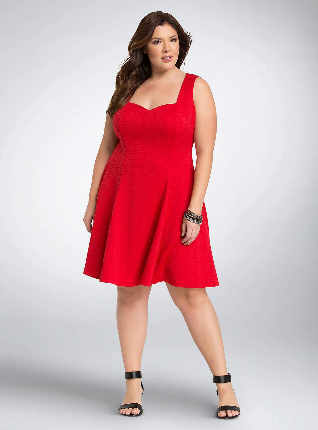 15 Must Rock Plus Size Dresses for that Valentine's Day Date!