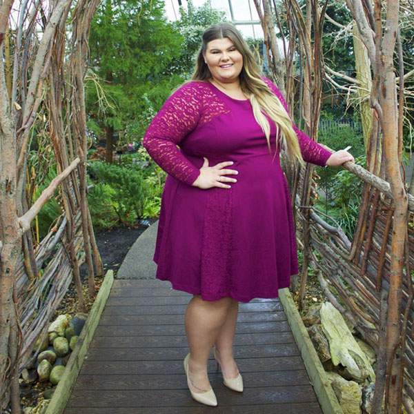 Plus-Size Vlogger Barred from Trying on Sweater at Walmart Because She Would 'Stretch It'