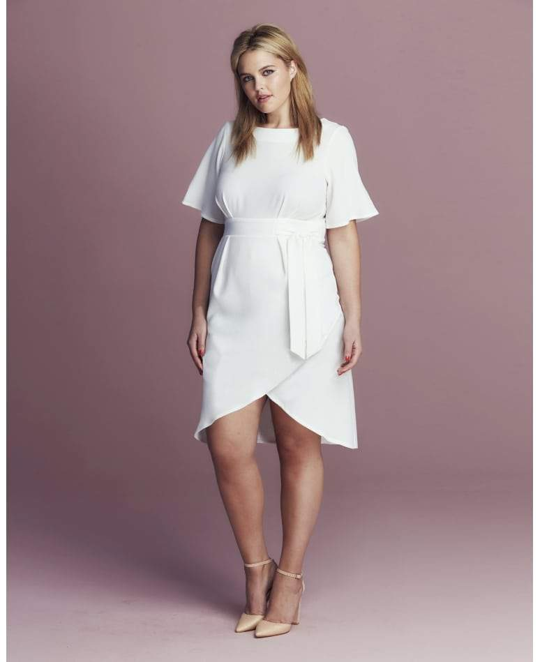 11 Must Have Plus Size White Pieces for Spring