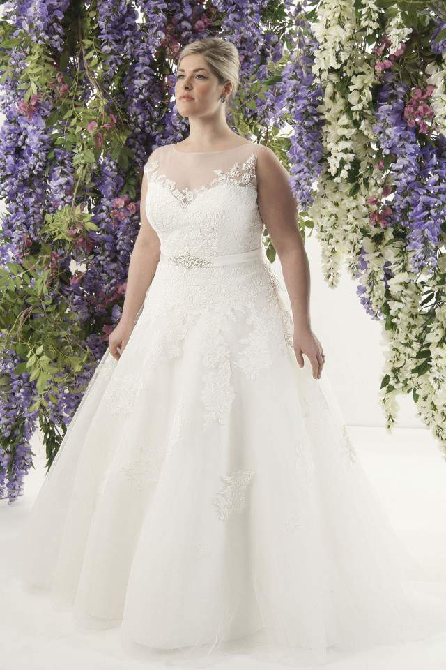 12 Plus Size Bridal Boutiques Just For The Plus Size Bride