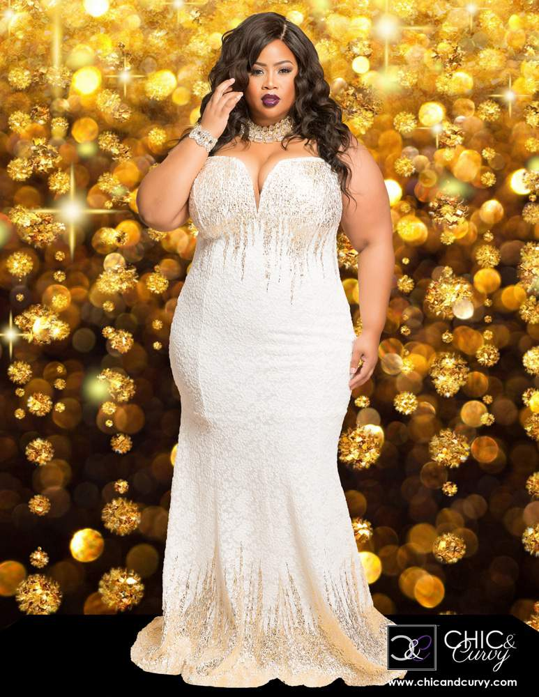 4bd02f440cc First Look  Chic   Curvy Holiday Collection