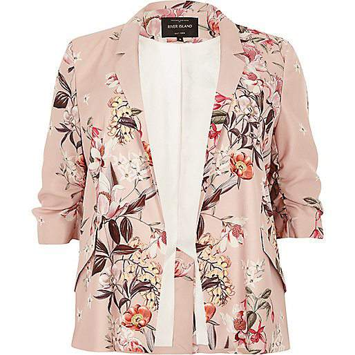 7 Stylish Plus Size Spring Must-Haves From River Island- Pink Floral Print Ruched Sleeve Blazer