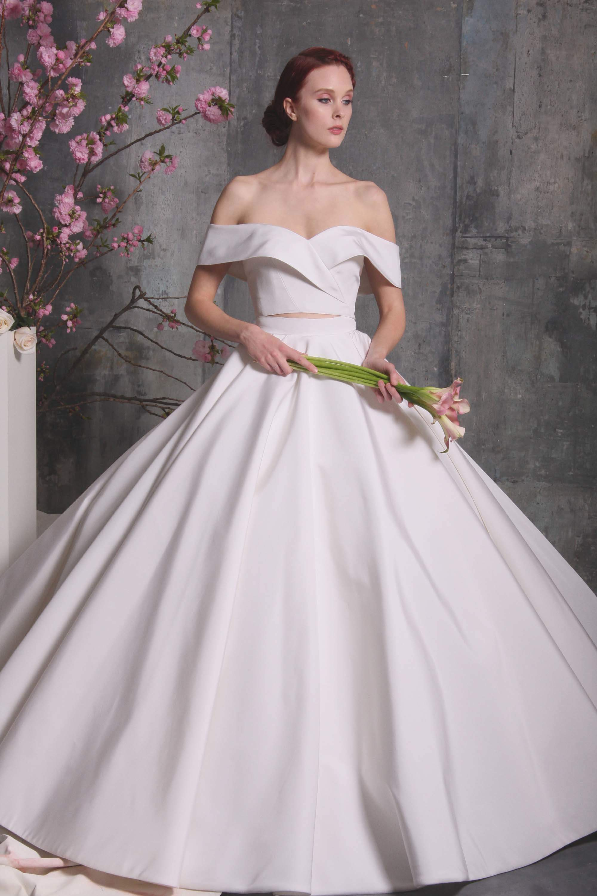 First Look: Christian Siriano\'s Spring 2018 Bridal Collection! And ...