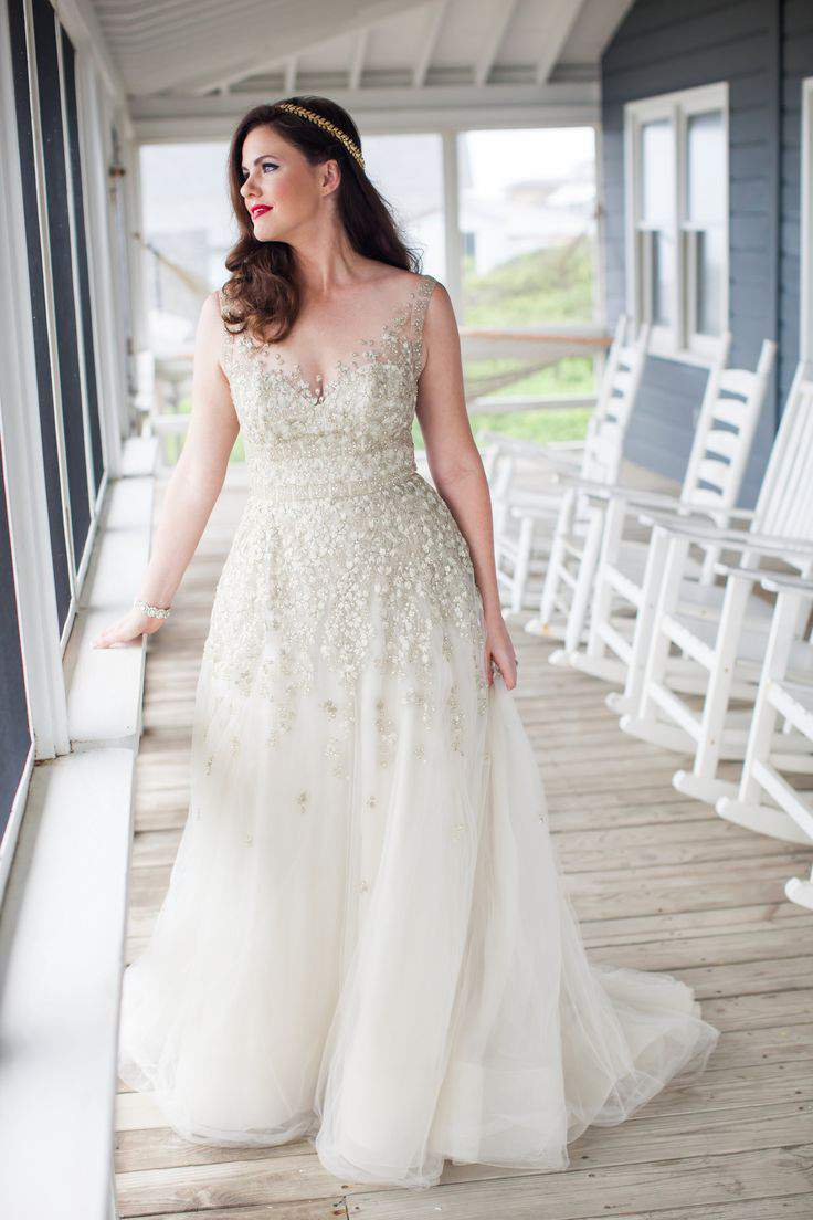 Search no more check out these 9 plus size bridal boutiques for Plus size wedding dresses size 32 and up