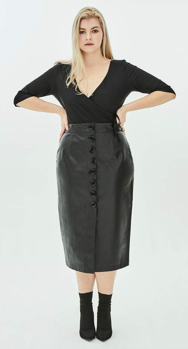Dome Button Faux Leather Plus Size Pencil Skirt