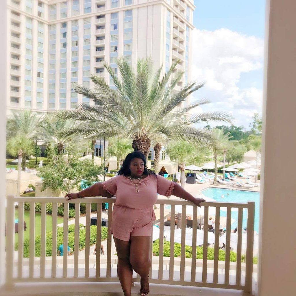 Plus size blogger spotlight- the chritstian simone