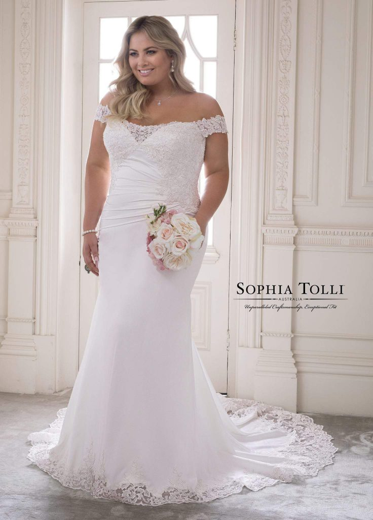 If You\'re a Plus Size Bride to Be, Try These Plus Size ...