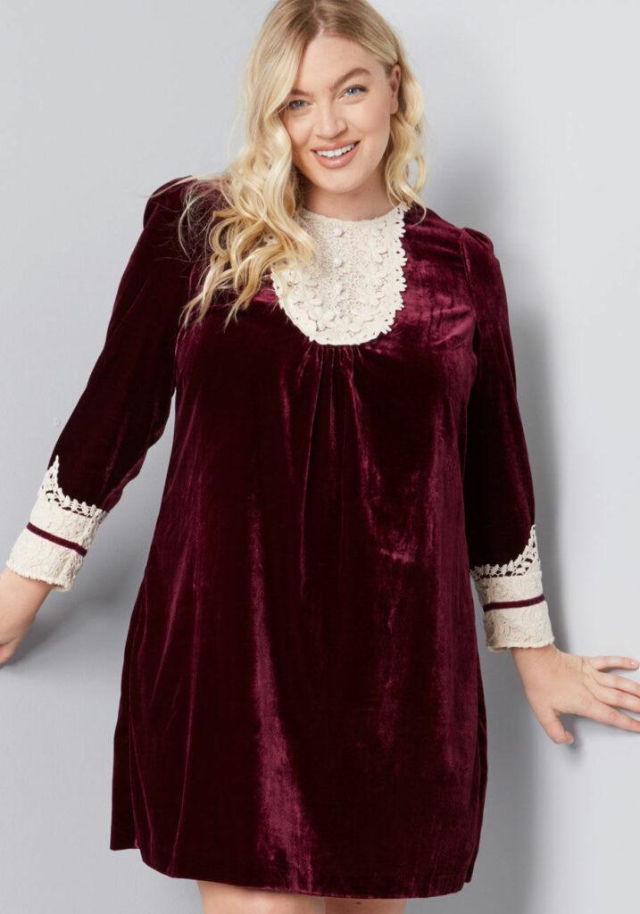 ModCloth x Anna Sui Charisma Calls Velvet Dress in Plus Size