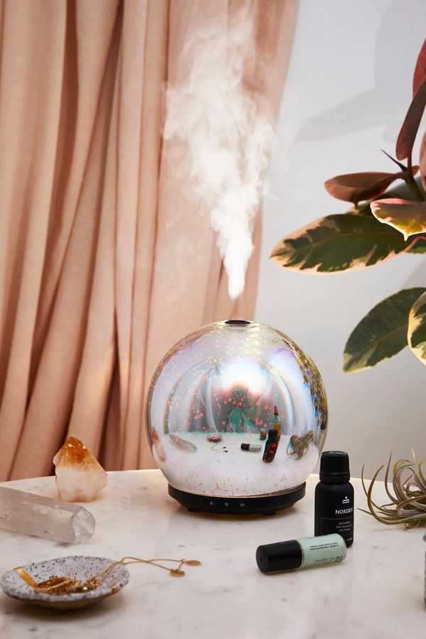 TCF Gift Guide: 3D LED Gala Essential Oil Diffuser