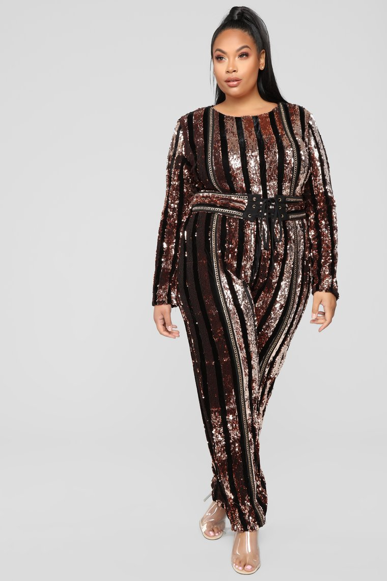 The Best Plus Size Sequins Statement Pieces for This Holiday Season!