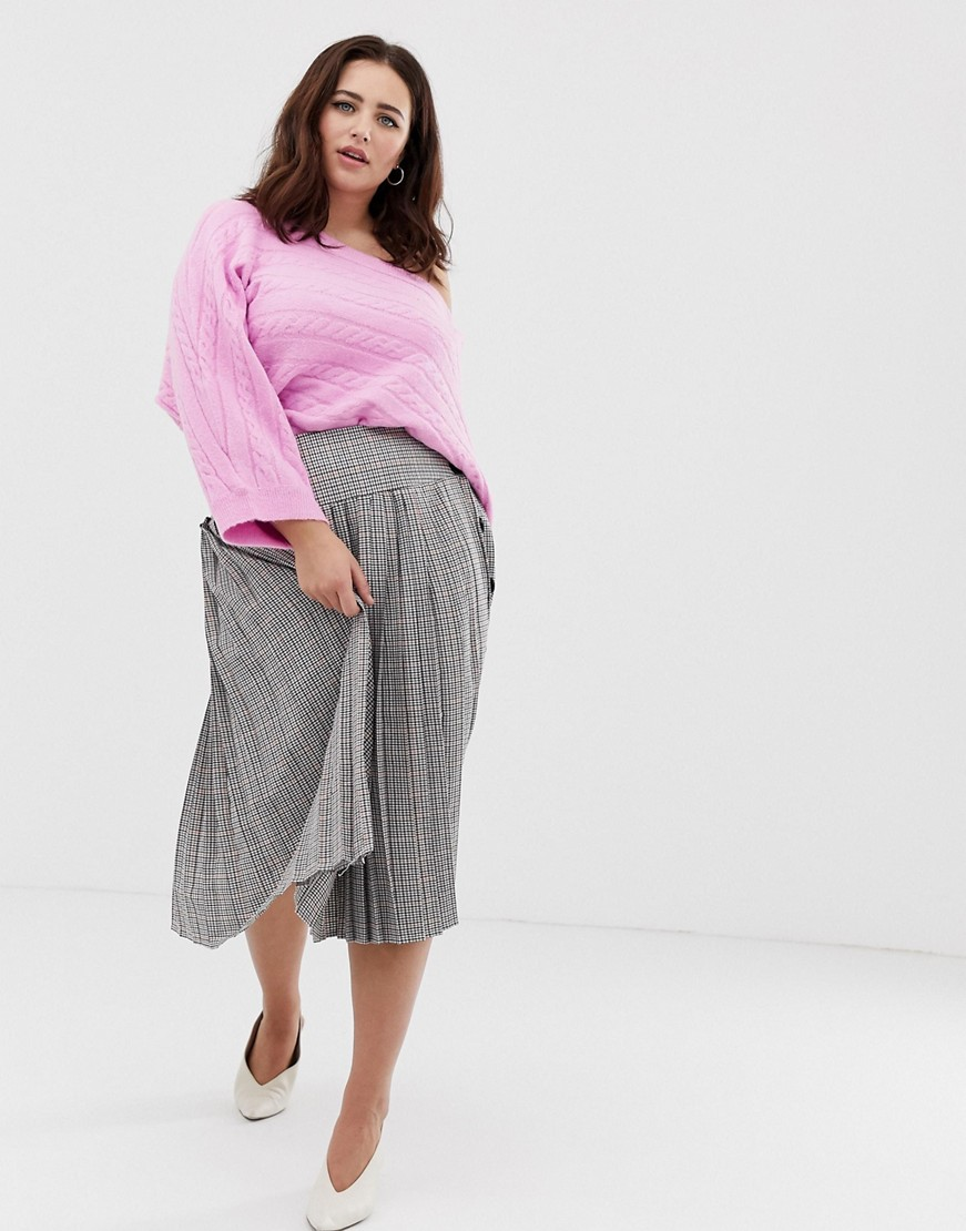 Plus Size Sweaters: ASOS DESIGN Curve cropped horizontal cable knit sweater