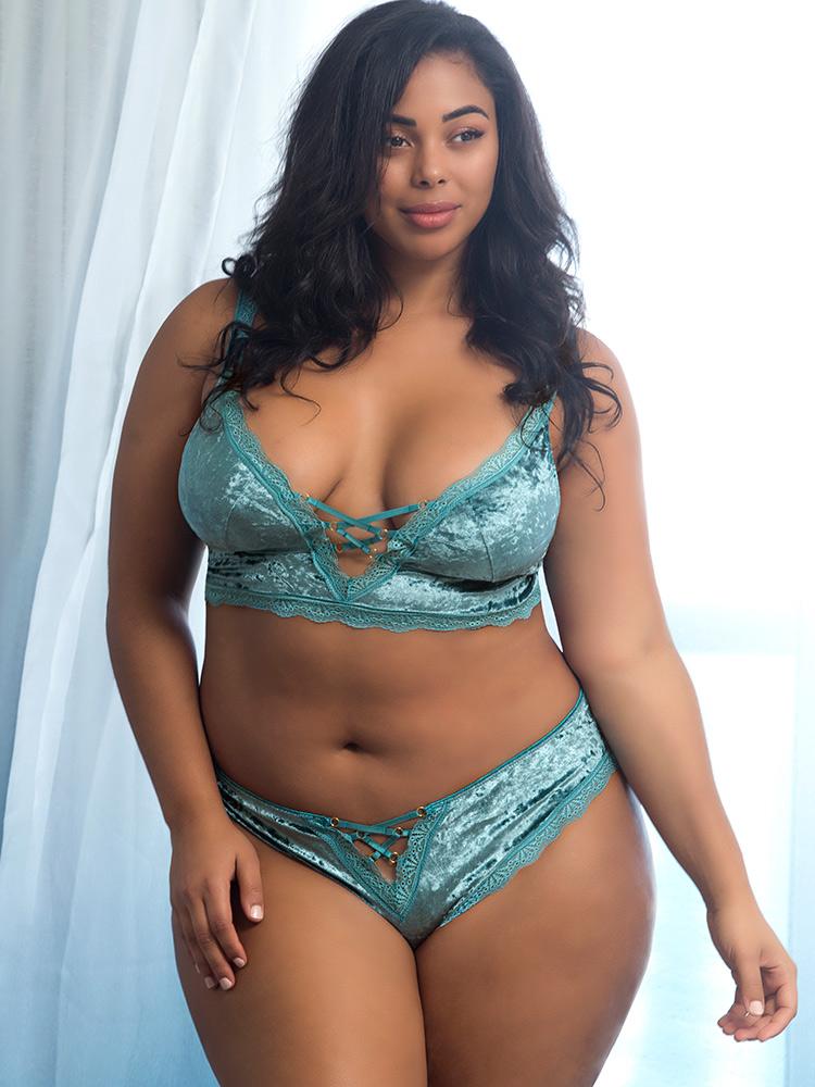 Oh La La Cheri Crushed Velvet Panty With Crisscrossing Front Straps