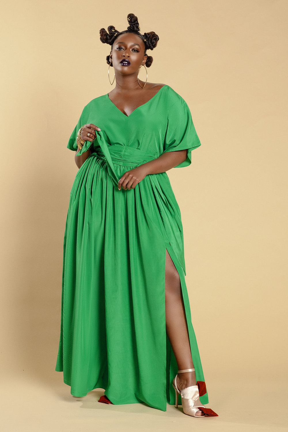 The Prettiest of Spring's Plus Size Dresses: Bat Sleeved Maxi Dress with Split