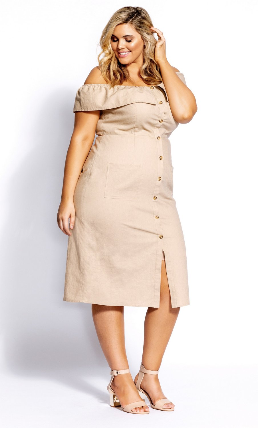 The Prettiest of Spring's Plus Size Dresses: Button Darling Dress