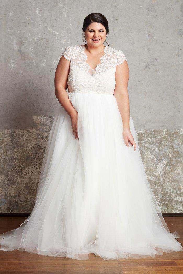 Plus size bridal dresses by Ella & Oak- Anne