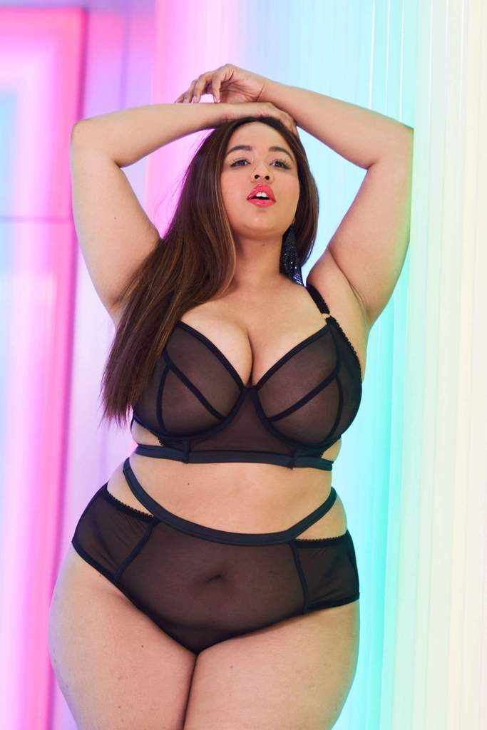 Gabifresh x Playful Promises- GABI FRESH HARPER MESH CUT-OUT LONGLINE BRA