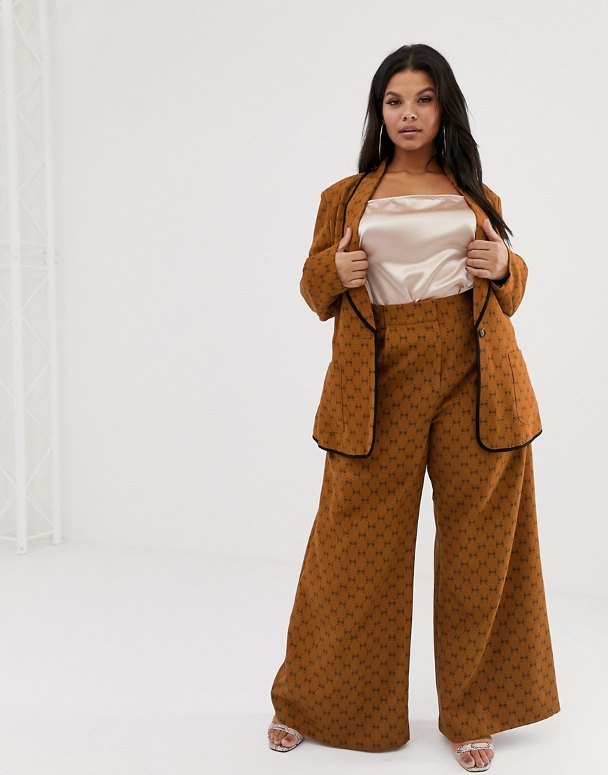 Plus SIze Suits for Spring- UNIQUE21 Hero Plus blazer with repeat bow print and contrast lapel detail