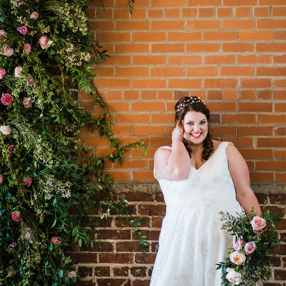 Ella and Oak plus size bridal gowns